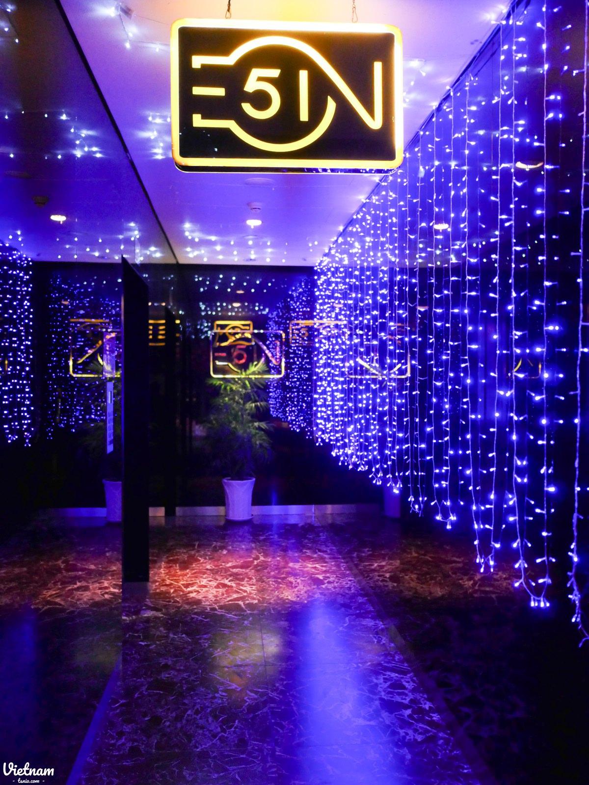 胡志明市景點 金融塔 高空酒吧 EON Heli Bar
