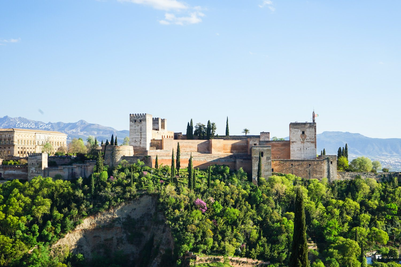 西班牙格拉納達景點 阿爾拜辛區 聖尼古拉教堂廣場眺望風景