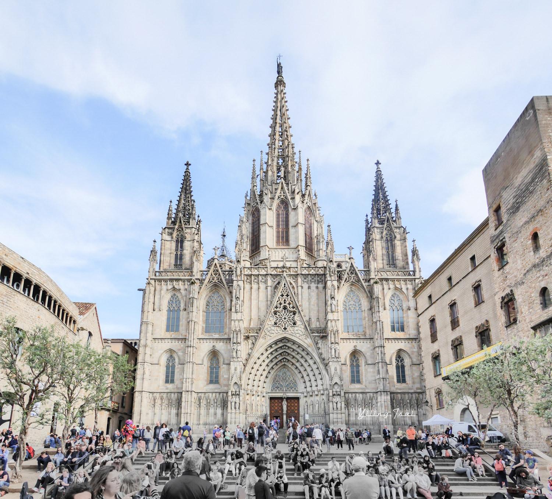 西班牙巴塞隆納老城區景點 巴塞隆納主教座堂、嘆息橋、 海洋聖母聖殿、 凱旋門