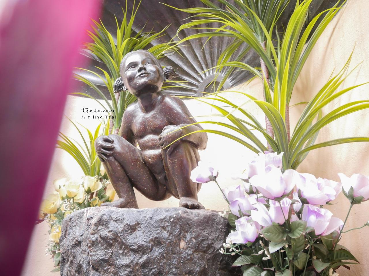 比利時布魯塞爾景點 Jeanneke Pis 尿尿小妹 隱身巷弄中的小雕像