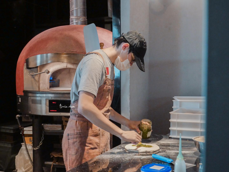 台北信義誠品美食 默爾義大利餐廳 More Pasta & Pizza 手拍窯烤披薩、義大利麵、美味排餐 101 第一排美景視野