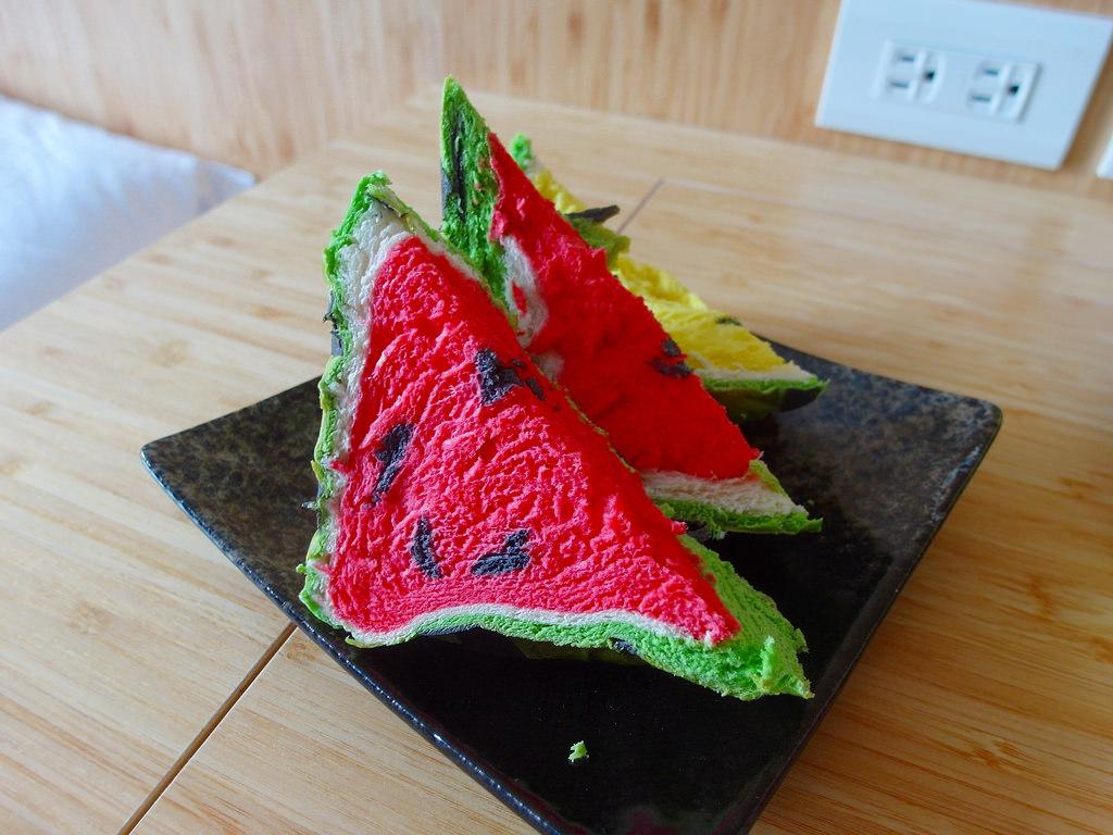 [宜蘭 礁溪] 幾米烘培坊 最紅伴手禮西瓜吐司