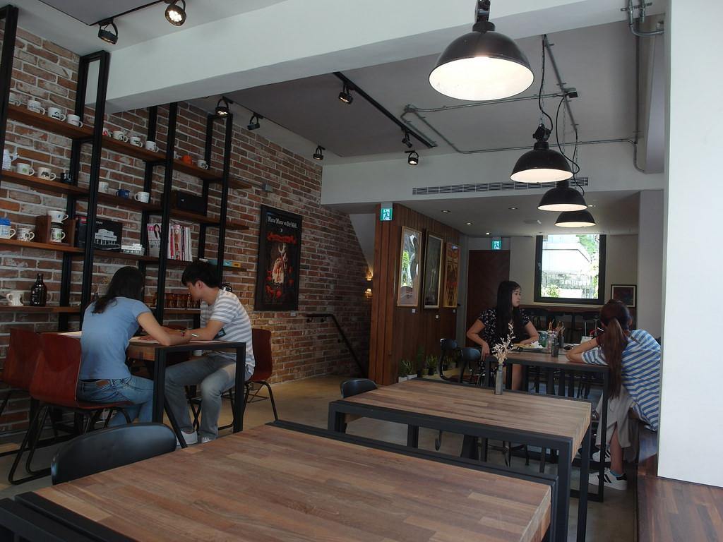 [台中 北區] HAUSINC CAFE 復古工業風咖啡廳