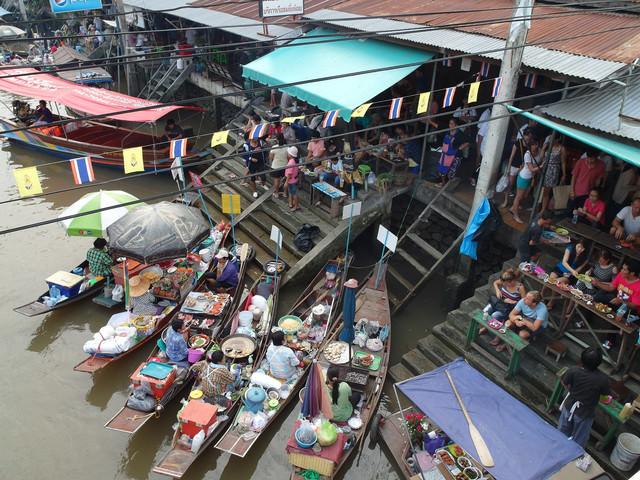 [曼谷]美功鐵道市場+安帕瓦水上市場