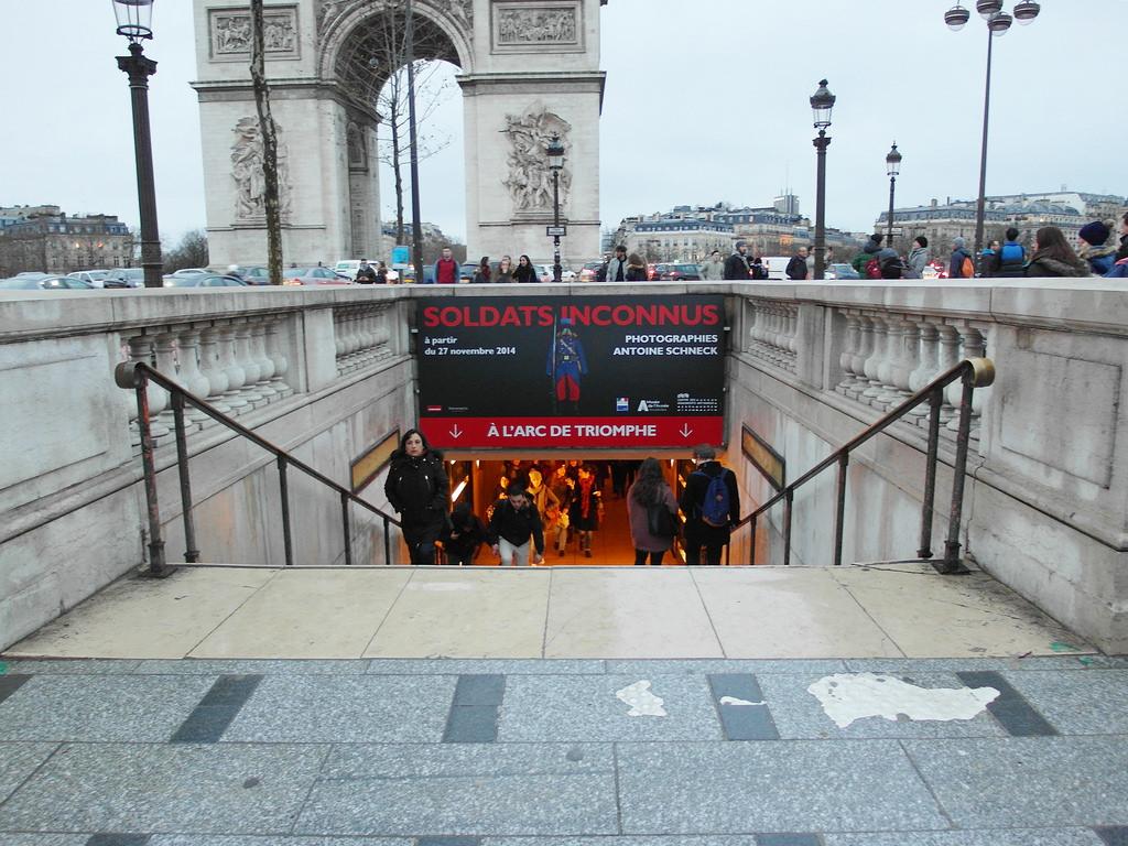[法國 巴黎] 凱旋門 一定要攻頂看風景 巴黎必訪景點