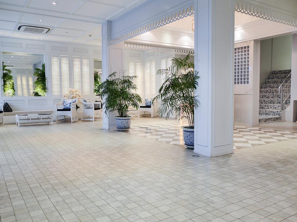 曼谷飯店推薦 K Maison Boutique Hotel 結合極簡純白與中國風青花瓷平價設計旅館