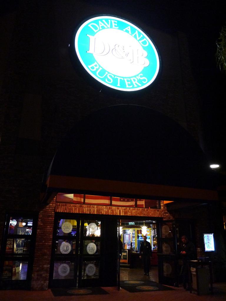 [美國 聖地牙哥] 美國好吃又好玩的成人餐廳 Dave & Busters